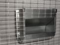 Бункерная навесная кормушка для кроликов из оцинкованного металла.  Ширина 250мм.  Высота 235мм.  Глубина 120мм.  Объем 3,5 литра.